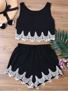 Applique Two Tone Shorts Two Piece Set. Shop for trendy fashion style two piece outfits for women online at ZAFUL. Find the newest styles sexy two piece short set, co ords and crop top skirt sets with affordable prices. #zaful #outfits