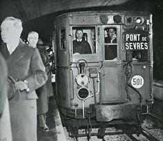 Le métro parisien, direction Pont de Sèvres, 1930s.