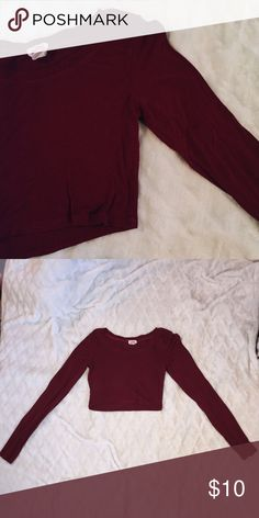 Burgundy long sleeve crop top Very very comfortable | great condition | worn once! | Size : xs/s Tops Crop Tops