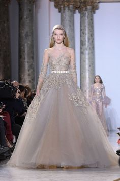 10 Engaged Celebrities and the Wedding Gowns They Should Wear Picking out the wedding dress is a huge milestone for any bride. For some of our favorite bride-to-be celebrities, we found these alternative but OH so pretty dresses they could wear.  We love this dress for Miranda Kerr! Girl secretly loves a big, poufy gown, despite her occupation usually calling for the opposite, so for her and Snapchat man Evan Spiegel's big day, we're nominating literal princess-dresser Elie Saab. Sparkle…