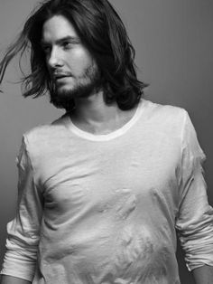 Ben Barnes - Benjamin Thomas Ben Barnes (born 20 August is an English actor. He has appeared in the television series Doctors, and in the films Stardust, Bigga Than Ben, Prince Caspian, Dorian Gray and Easy Virtue. Ben Barnes was born in L Pretty Men, Gorgeous Men, Beautiful People, Ben Barnes, Brat Pitt, Vanity Fair, Gq, Hair And Beard Styles, Long Hair Styles