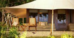 Amanwana « forêt paisible » est le seul hôtel situé sur l'île de Moyo, une réserve naturelle et marine à l'est de Bali.