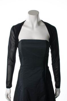 Bolero Jacke, schwarz      Kurze Bolerojacke von Swing     Oberstoff aus weichem, transparentem, schwarzen feinem Tüll     Mit kleinem Strasslogo im Nacken
