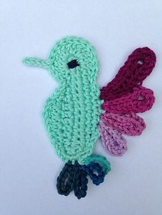 FREE CROCHET PATTERN Hummingbird applique I will have to make at least one of these, my favorite bird! ♥