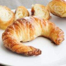 Bread And Pastries, Croissants, Healthy Sweets, Sausage, Goodies, Meat, Baking, Cake, Media Luna