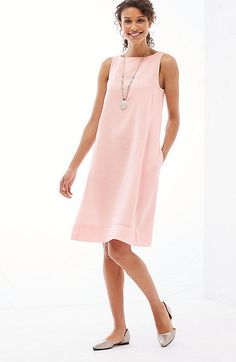 long summer maxi linen dresses and cotton sundresses, caftans, gowns White Linen Dresses, Cotton Dresses, Long Summer Dresses, Day Dresses, Casual Dresses For Women, Clothes For Women, Mode Style, Look Fashion, Fashion Women