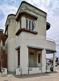 Art Deco House - Havana Blog Art, Art Deco Home, Art Deco Era, Art Deco Buildings, Arquitetura E Design, Deco Furniture, Bauhaus, Interior Architecture, Architecture Unique