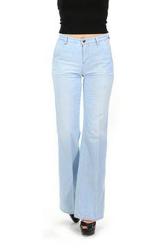 Twin Set Jeans - Jeans - Abbigliamento - Jeans in cotone elasticizzato a quattro tasche con fondo a zampa.La nostra modella indossa la taglia /EU 25. - UNICO - € 152.00