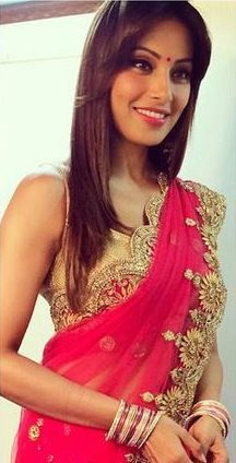 Bipasha Bangoli Beauty In Pink Saree