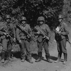Sergeant Niemelä with his submachine gun men. Rytynoja, July 21, 1941.