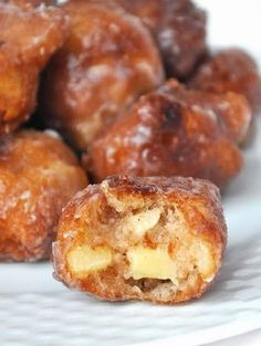 I would describe apple fritters like sweet pieces of apples that have been coated in cinnamon and sugar goodness, fried and then sent straight from heaven. Seriously though, for ALL the cinnamon lover