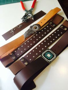 cintos de couro Handmade, Belts, Leather, Log Projects, Hand Made, Craft