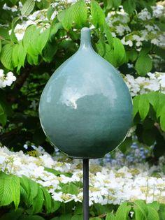 Keramik-Zwiebel mintgrün - Gärten für Auge & Seele