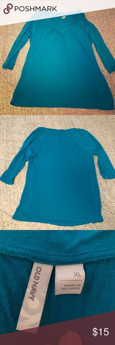 👚 Old Navy V-Neck Super soft 3/4 length sleeved top.  Previously loved but in great condition! Old Navy Tops Tees - Long Sleeve