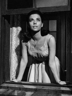 Natalie Wood in West Side Story Maria West Side Story, West Side Story 1961, Old Hollywood Movies, Classic Hollywood, William Shakespeare, Splendour In The Grass, Natalie Wood, Movie Photo, Old Movies