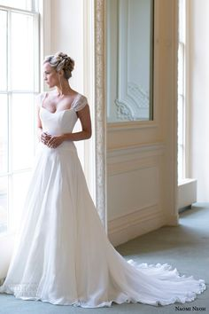 naomi neoh bridal 2014 dahlia wedding dress full view
