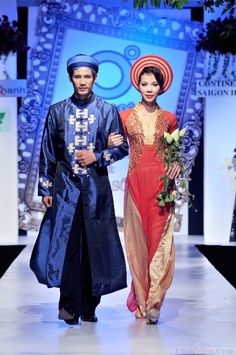 Dark blue and Red Pink Vietnamese Traditional Wedding Dress Set.