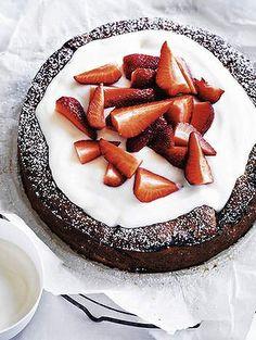 Strawberry and yoghurt cake.