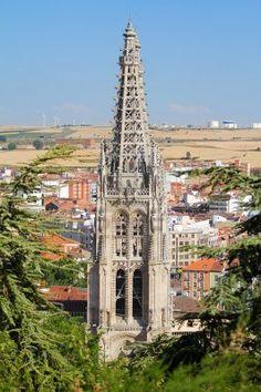 Dovela es cada una de las piedras labradas en forma de for Arquitectura gotica partes