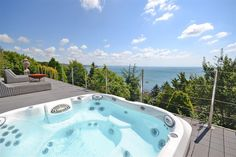 Looking for holiday cottages across Devon, Cornwall, Somerset & Dorset? Toad Hall Cottages have over 500 self catering cottages across the South West. Sunken Hot Tub, Devon Cottages, Gym Facilities, Luxury Holiday Cottages, Romantic Breaks, Beach Cafe, South Devon, Old Faithful, New Forest