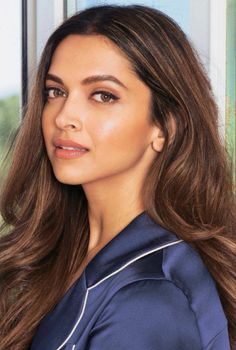 Trendy Hair Highlights Picture Description bollywood and deepika padukone image coffeespoonslythe… Beautiful Bollywood Actress, Beautiful Indian Actress, Beautiful Actresses, Indian Makeup, Indian Beauty, Deepika Padukone Hair Color, Deepika Padukone Hairstyles, Bollywood Girls, Indian Film Actress