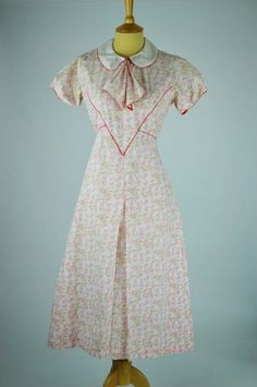 1930s-vintage-dress-pink-ivory-floral-deco-print-collar-piping-detail-front.jpg (498×750)