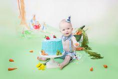 Make this Peter rabbit cake smash #booksnotcards #babyshower #kidsparty