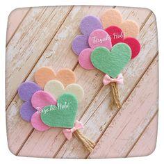 The joy of making felt crafts. feltcrafts crafting - Her Crochet - The joy of making felt crafts. feltcrafts crafting – Her Crochet - Felt Crafts Patterns, Felt Crafts Diy, Felt Diy, Sewing Crafts, Crafts For Kids, Paper Crafts, Diy Hair Bows, Diy Bow, Felt Flowers
