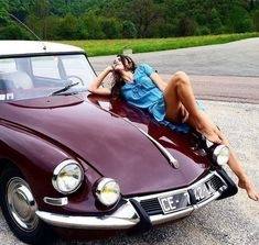 Nice cars girl 2019 classic cars and girls woman beautiful 73 beautiful c beautiful cars carsgirl classic girl girls nice woman classic cars and women Citroen Ds, Psa Peugeot Citroen, Sexy Cars, Hot Cars, Sexy Autos, Up Auto, Girly Car, Classic Girl, Car Girls