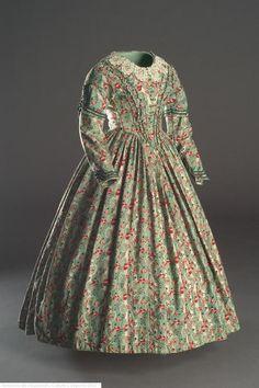 fashionsfromhistory:  Dress c.1840 Spanish Museo del Traje