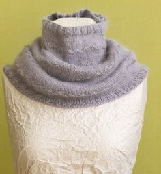 Free+Knitting+Pattern+-+Cowls+and+Neck+Warmers:+Misty+Morning+Cowl