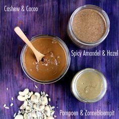 3 x de lekkerste notenpasta: amandelpasta, cashewnootpasta en pompoenpitpasta. Een heerlijk & gezond broodbeleg en heerlijk door een smoothie.
