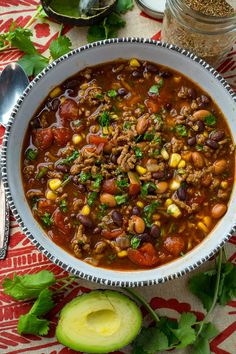 A quick and easy pantry friendly taco soup Chili With Stew Meat, Easy Stovetop Chili Recipe, Clean Eating Chili, Vegetarian Chili Easy, Taco Soup, Freundlich, Yeast Bread, Bread Baking, Pantry