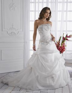 Stunning Strapless Applique Side-Draped Pleated Taffeta Chapel Train Ball Gwon Wedding Dress