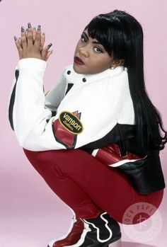 Lil Kim 1995....she was beautiful!!! Idk what or who made her feel she wasn't beautiful as God made her but its sad yo...