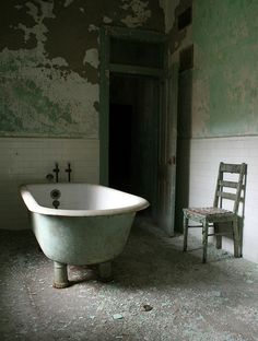 xabandoned:  Taunton State Hospital by soldat252 on Flickr.