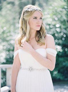 Romantic Garden Bride | Heather Payne Fine Art Photography | http://heyweddinglady.com/enchanted-garden-wedding-colorful-summer-florals/