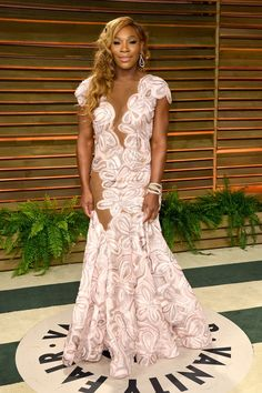 Fabulously Spotted: Serena Williams Wearing Michael Costello - 2014 Vanity Fair Oscar Party - http://www.becauseiamfabulous.com/2014/03/serena-williams-wearing-michael-costello-2014-vanity-fair-oscar-party/