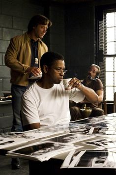 Russell Crowe & Denzel Washington in American Gangster