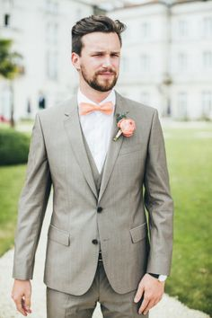 20 Top Style Wedding Groom Suits Ideas You Need to Copy - Weddings Summer Wedding Men, Wedding Dress Men, Aqua Wedding, Wedding Dress Styles, Wedding Groom, Wedding Attire, Rose Wedding, Wedding Makeup, Wedding Colors