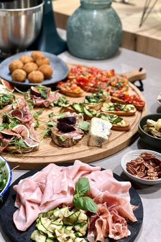 Shrimp And Quinoa, Charcuterie Platter, Tv Chefs, Oven Dishes, Delicious Sandwiches, Food Inspiration, Italian Recipes, Love Food, Tapas