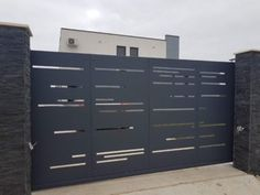 Gate Wall Design, House Fence Design, House Main Gates Design, Steel Gate Design, Grill Door Design, Garage Door Design, Compound Wall Gate Design, Gate Designs Modern, Modern Front Gate Design