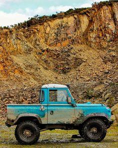 "utwo: ""Defender Pick Up © misssunshine media "" Defender Td5, Land Rover Defender, Land Rover Truck, Jeep Brute, Mercedes G Wagen, Land Rover Series 3, Suv 4x4, Adventure Car, International Scout"