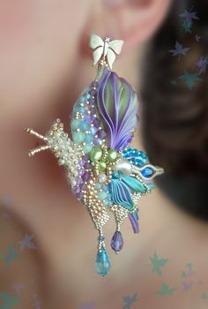 "BUTTERFLY EARRINGS - bead embroidery, shibori silk, swarovski. Designed by ""Serena Di Mercione Jewelry"" Ribbon Jewelry, Jewelry Art, Ribbon Art, Macrame Jewelry, Fabric Jewelry, Jewelry Crafts, Shibori, Butterfly Earrings, Bead Art"