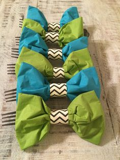 Bowtie paper napkins by youngandchic on Etsy
