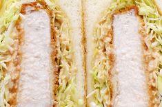 サックサク!キャベツたっぷりジューシーカツサンド (Juicy Fried Pork Cutlet Sandwich with Cabbage)