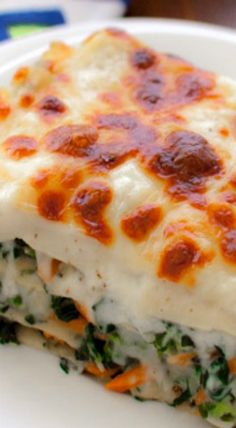 Vegetable Alfredo Lasagna ~ Healthy vegetables are tucked under layers of melted cheese, creamy béchamel sauce, and pasta.