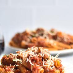 Vegan Baked Pasta with Tofu Ricotta - Thyme & Love Funny Food, Food Humor, Vegan Goulash, Jackfruit Curry, Tofu Ricotta, Vegan Parmesan Cheese, Vegan Meatballs, Chocolate Granola, Rigatoni