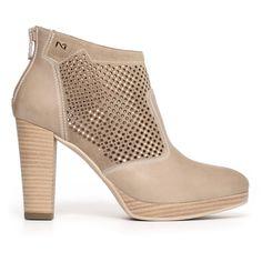 0a3479b28e520 Les 78 meilleures images du tableau Lady s shoes sur Pinterest ...