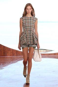 Christian Dior - Pre Spring 2016 - Shows - Vogue.it